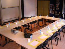 Salle de Travail | Auberge Montagnarde